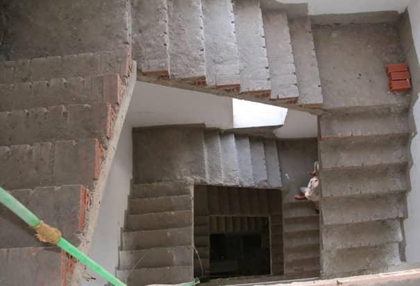 đổ bê tông cầu thang
